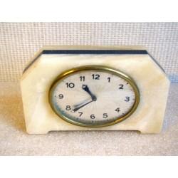 Pendulette mécanique en marbre