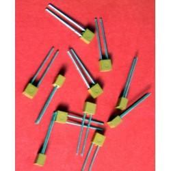 3 x capacités 75 pf / 100 V