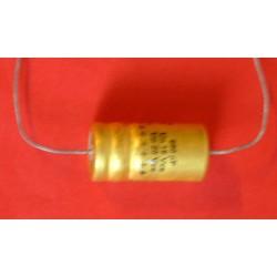 Condensateur 680 uf / 16 V