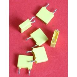 3 capacités 10 nf / 63 V